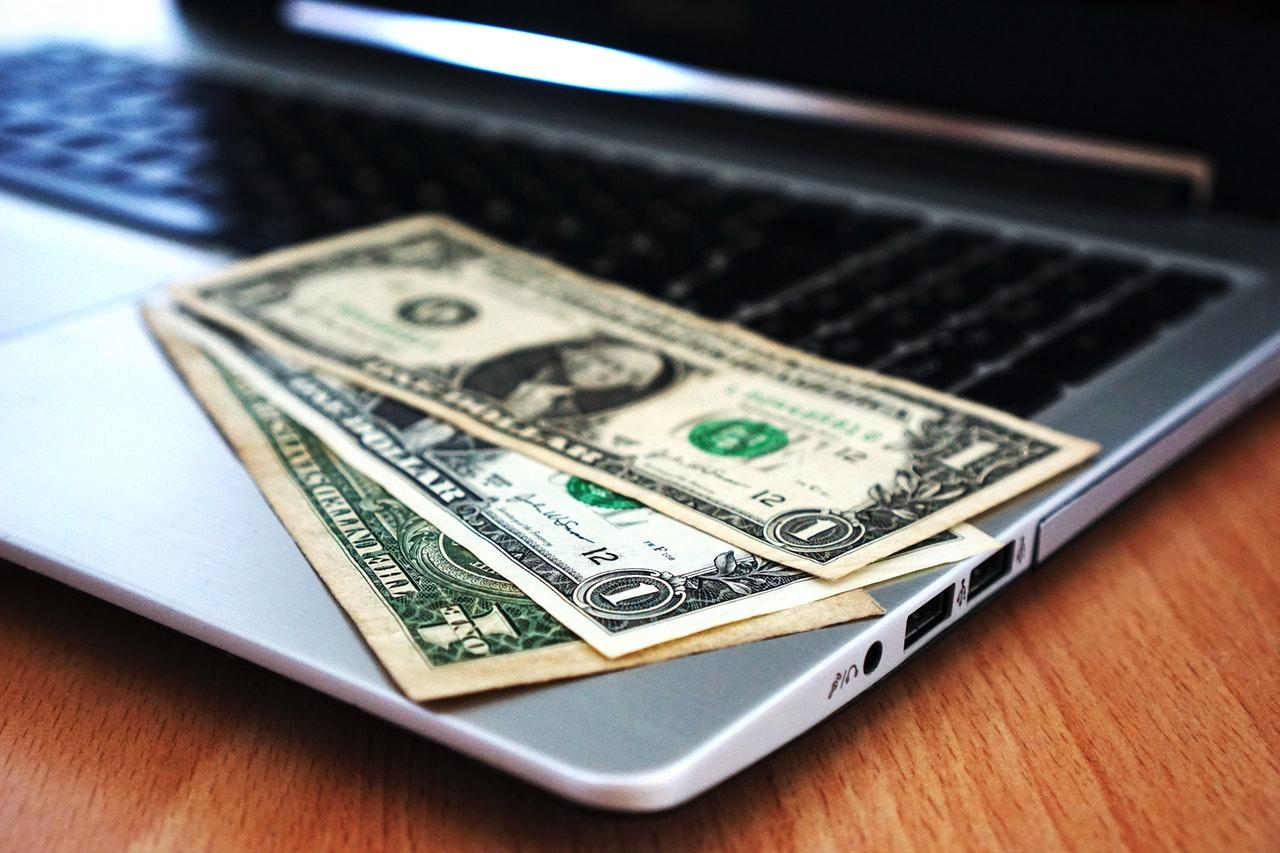 Jak ustalić cenę, by maksymalizować zyski?